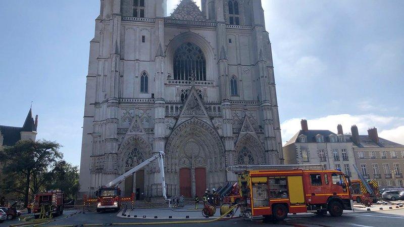 France: la cathédrale de Nantes ravagée par un incendie