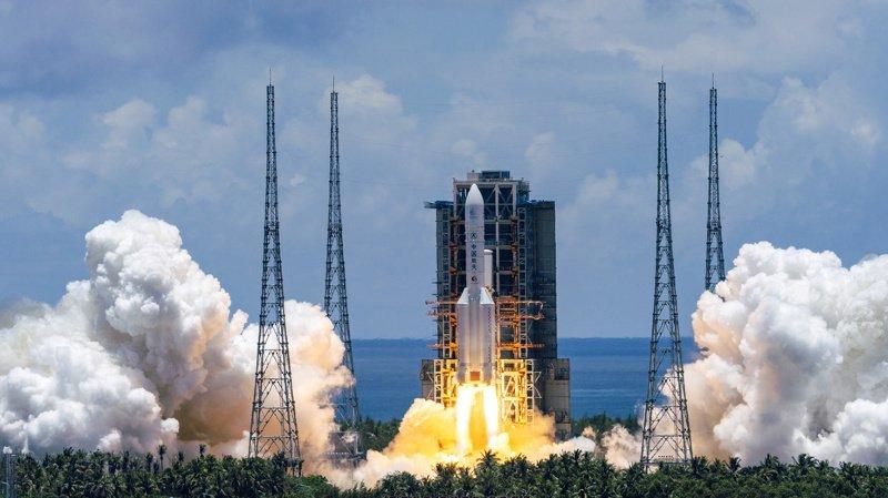 Espace: la Chine lance une sonde vers la planète rouge