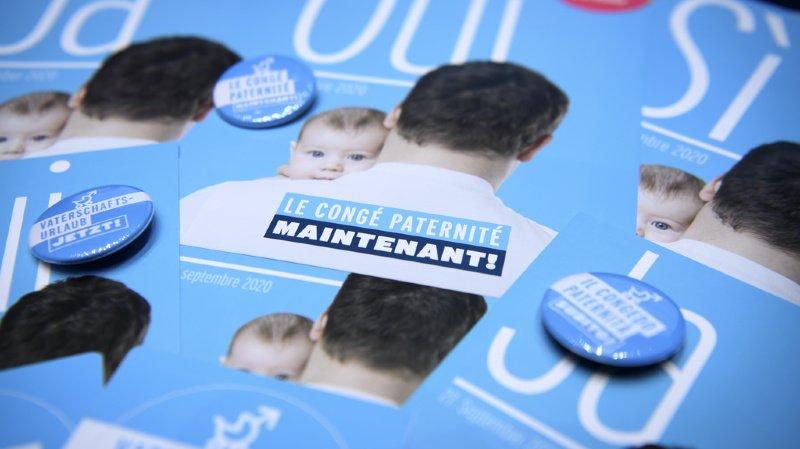 Les Suisses accepteraient à 63% le congé paternité.
