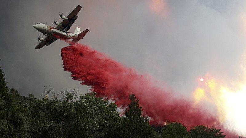 Etats-Unis: un feu entraîne l'évacuation de centaines de maisons en Californie