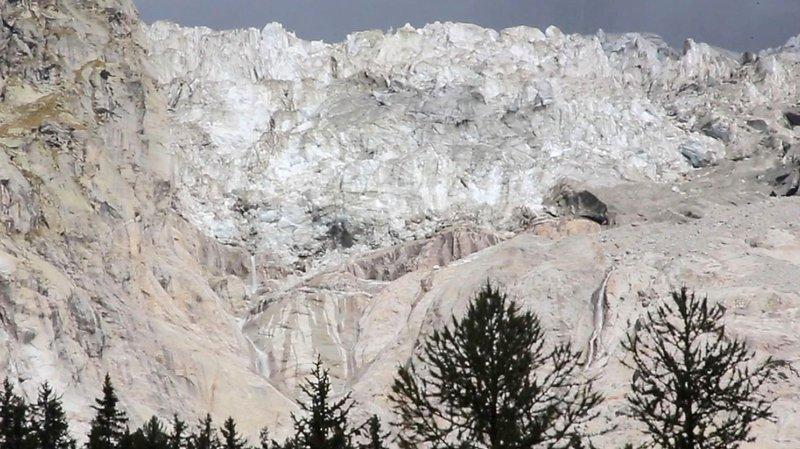 Un glacier du Mont Blanc menace de se détacher, opérations d'évacuation et de sécurisation en cours