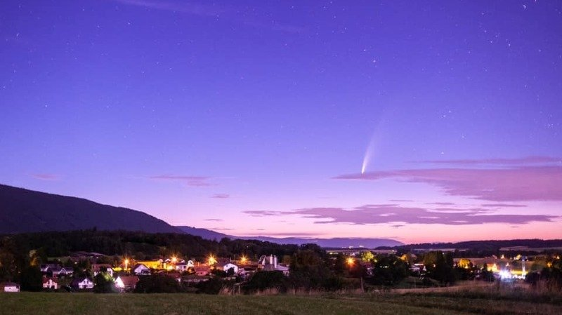 Gimel: ce moment où la comète «Neowise» vient chatouiller l'aube