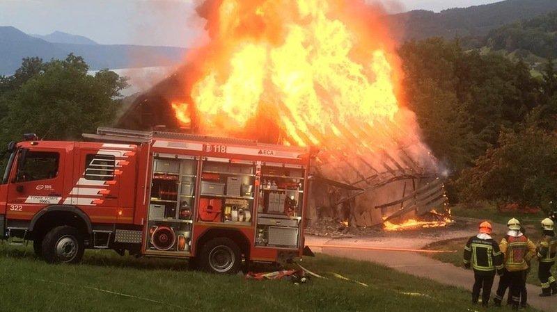 Un chalet prend feu à Saint-Légier-La-Chiésaz