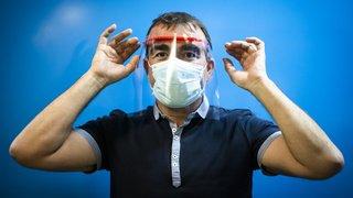Coronavirus: la visière ne remplace pas le masque