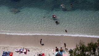 Italie: deux Suisses s'endorment sur un matelas et se retrouvent à un kilomètre de la côte