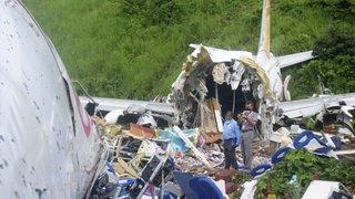 Accident d'avion en Inde: le bilan monte à 18 morts et 130 blessés