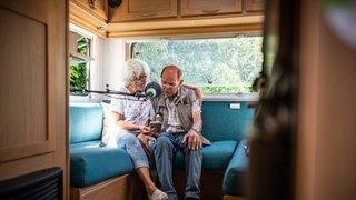 Dans la quiétude d'un van, les Nyonnais ont chanté l'amour