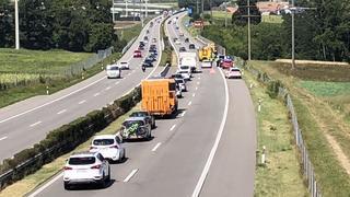 Bouchons sur l'A1 Genève-Lausanne après l'incendie d'une voiture