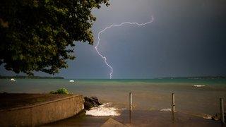 Nyon: sombres et belles images de l'orage de jeudi soir