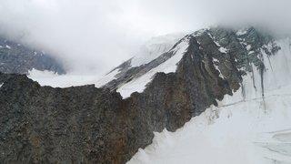 Haut-Valais: un alpiniste de 27 ans se tue aux Mischabel