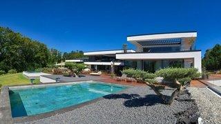 A Mies, une méga villa de rêve fait grincer les dents de la Municipalité