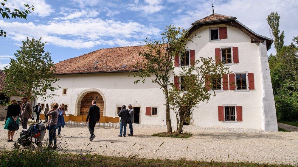 La ferme-château du Bois de Chênes, ici lors de la fin de sa rénovation en septembre 2019.