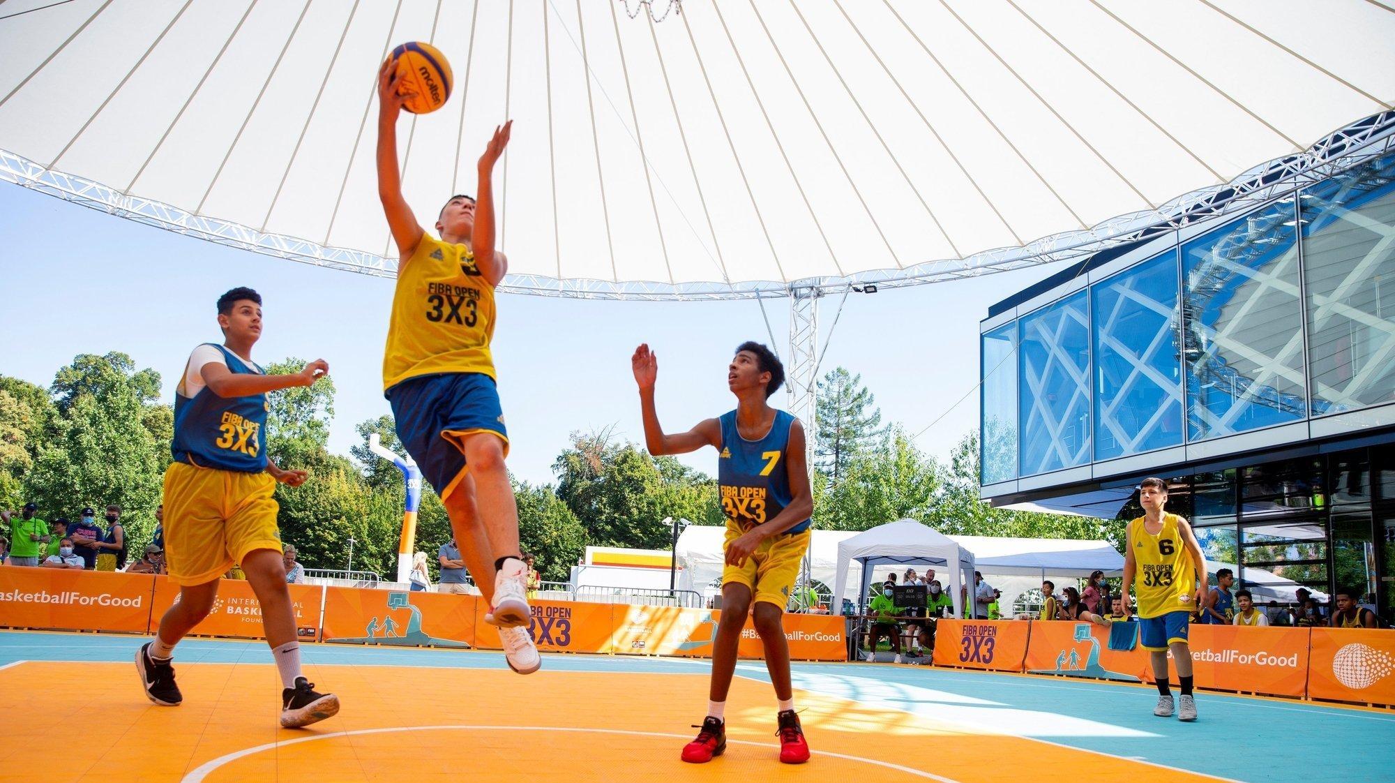 Même dans un format réduit, le FIBA Open a réjoui les plus jeunes devant la Maison du Basket.