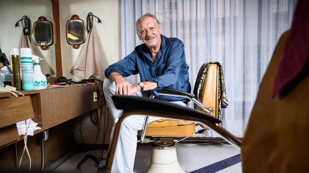 A 71 ans, Marcel Corthésy n'a pas envie de lâcher ses ciseaux, mais à la retraite il aura davantage de temps pour sa famille et ses nombreuses passions: la cuisine, les champignons, le jardin, la pêche et le foot notamment.
