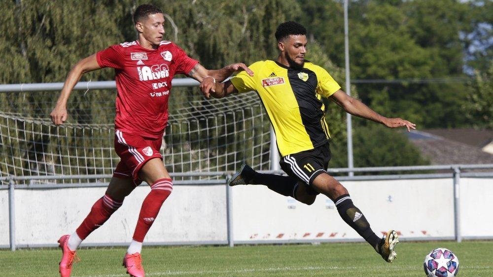 Passeur et buteur, le Nyonnais Da Silva (en jaune et noir) a été le grand artisan de la victoire du Stade à Bavois.