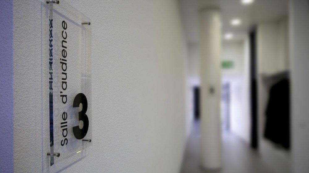 Le tribunal a condamné à la prison un trentenaire, aux antécédents judiciaires, qui s'en était violemment pris à une vague connaissance.