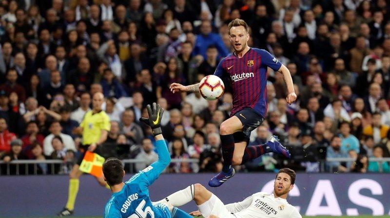 L'Argovien (en haut) a marqué l'histoire du Barça.