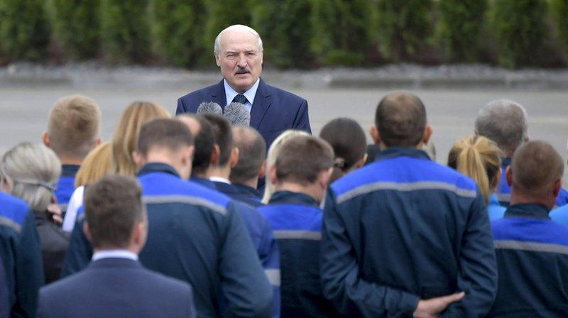 Bélarus: Loukachenko évoque l'idée d'un référendum constitutionnel