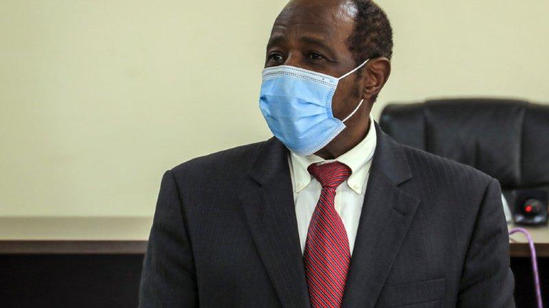 """Paul Rusesabagina s'est présenté devant la presse dans les locaux du Rwanda Bureau of investigations. Accusé de terrorisme, il est celui qui a inspiré le personnage principal du film """"Hotel Rwanda""""."""