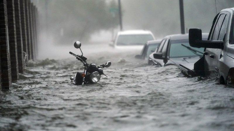 La ville de Pensacola en Floride a été particulièrement touchée par l'ouragan, qui a inondé ses rues.