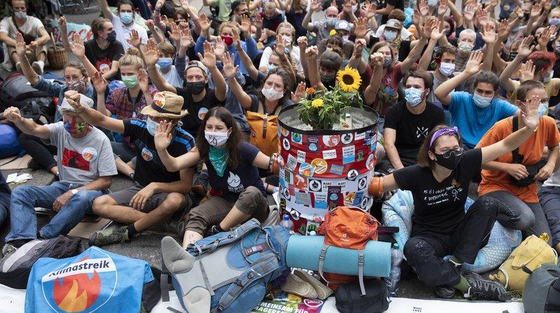 Climat: les militants de la Place fédérale ont ignoré l'ultimatum de la ville de Berne