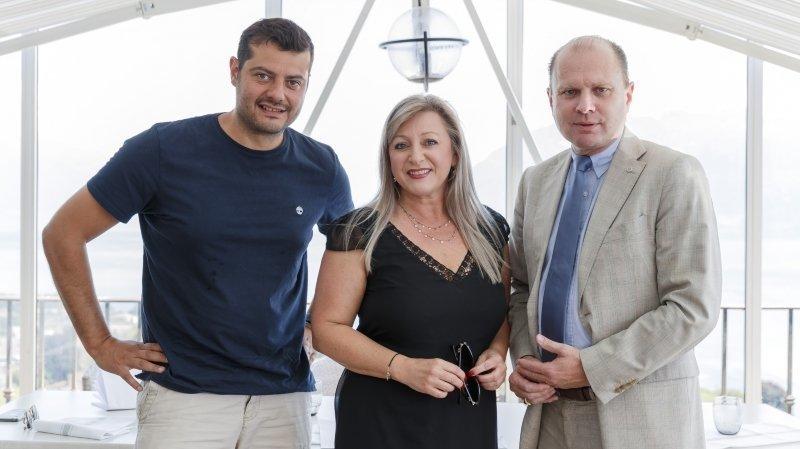 """Pascal Meyer, directeur de Qoqa, la conseillère d'Etat Nuria Gorrite et le conseiller d'Etat Philippe Leuba lors de la présentation du plan de relance """"WelQome"""" en juin."""