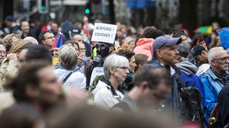 Coronavirus: les opposants au masque continuent leur contestation