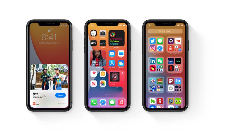 La dernière mise à jour du système d'exploitation d'Apple permet à chacun de personnaliser l'écran d'accueil de son iPhone.