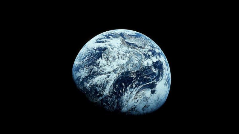 L'eau, cruciale à la vie, recouvre 70% de la surface de la Terre (ARCHIVES).