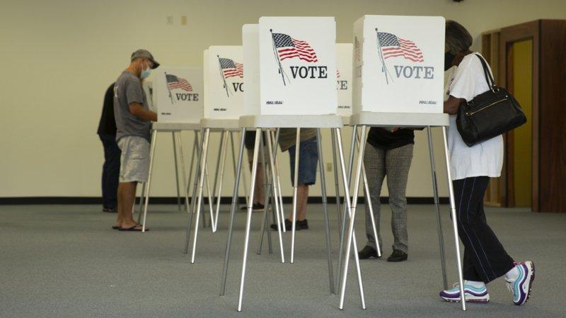 Certains Américains ont attendu jusqu'à quatre heures pour voter pour la présidentielle de novembre en Virginie.