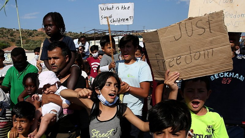 Incendie du camp de Moria: heurts entre police et migrants à Lesbos, flash mob à Lausanne