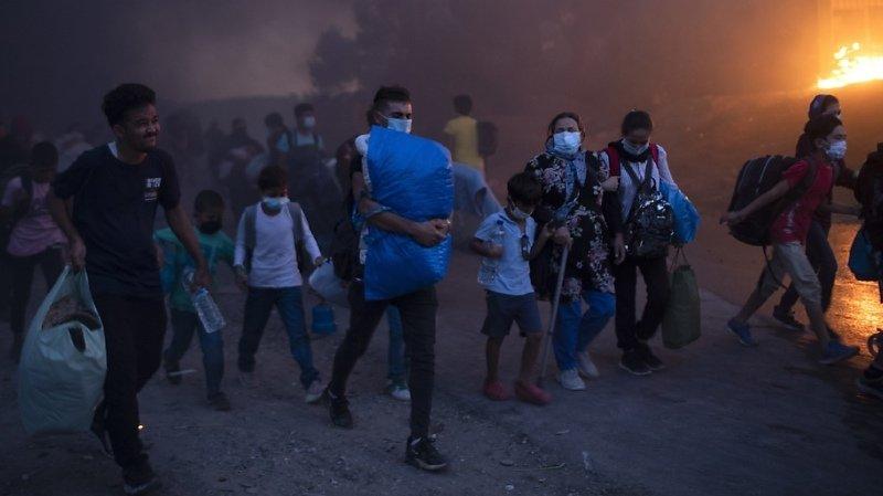 Grèce: des milliers de migrants sans abri après un incendie à Lesbos
