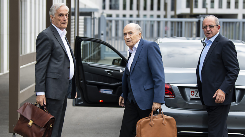 L'ancien président de la FIFA Sepp Blatter s'est présenté mardi pour une audience devant le Ministère public de la Confédération.