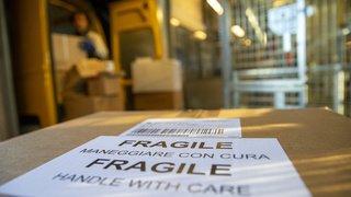 Aéroport de Zurich: il se sert dans les sacs de courrier et vole 100000francs