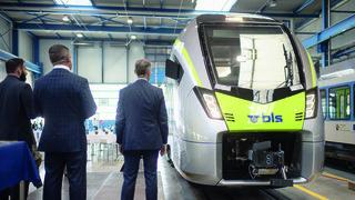 Transports: le BLS présente son nouveau train Flirt à Erlen